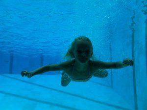 onderwaterfoto in het zwembad