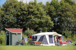 camping met prive sanitair de twee bruggen bungalowtent